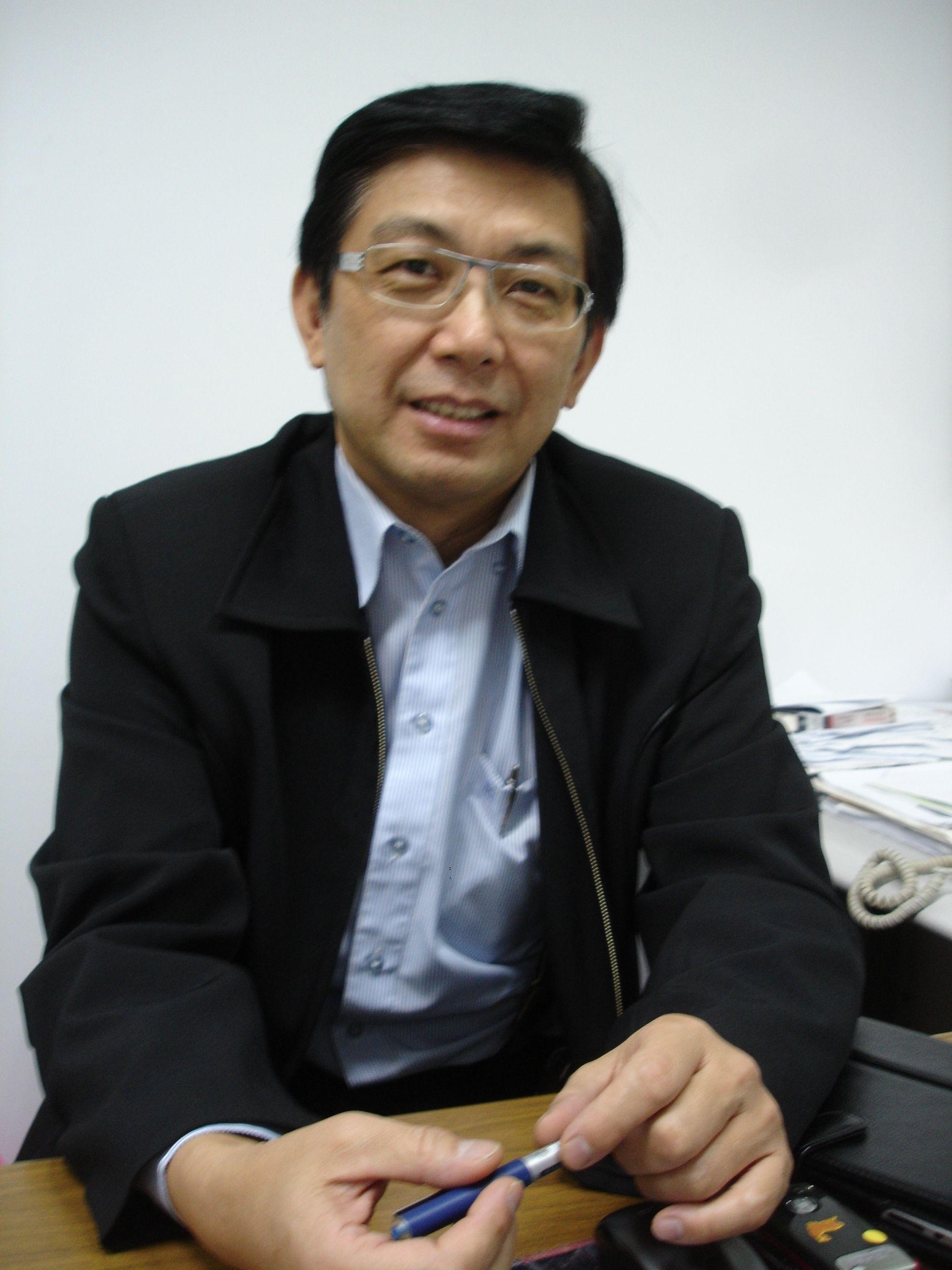 丘 岳 先生
